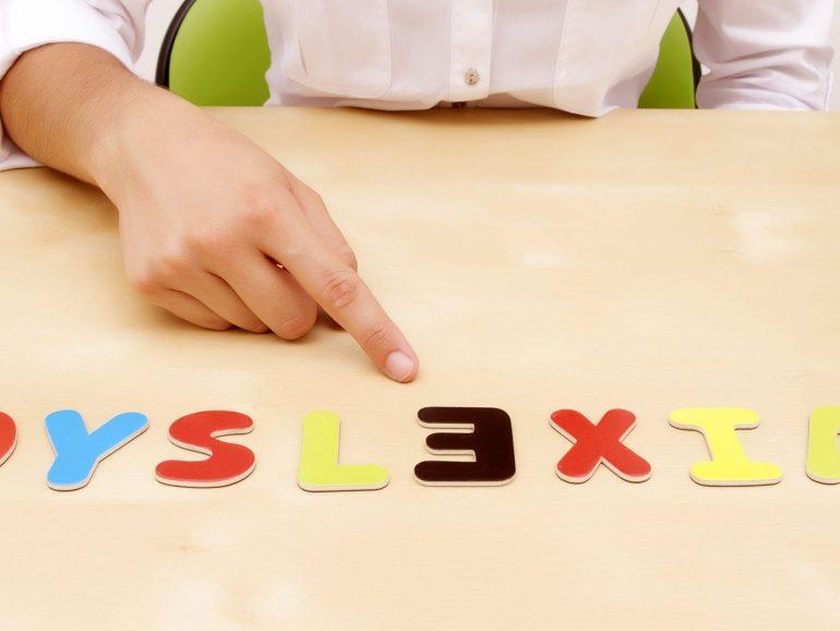 """""""Dislexia; una forma diferente de leer"""""""
